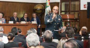 Jueza frena detención de general Trauwitz por nexos con huachicol