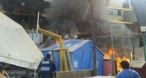 Desdicha no deja a afectados del 19S: se incendia campamento en CDMX