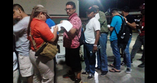En largas filas, han pedido entrar a México 2,835 centroamericanos