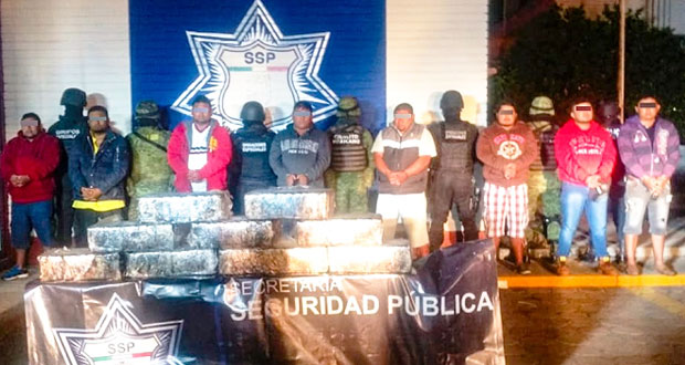 Detienen a 8 narcotraficantes en la Puebla-Orizaba con 100 kilos de droga
