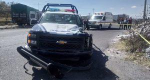 4 policías de Acajete resultan heridos en choque contra tractocamión