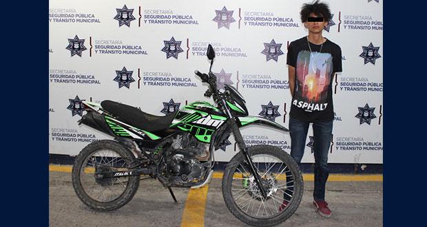 Aseguran a varón por robo de vehículoen San Baltazar Tetela