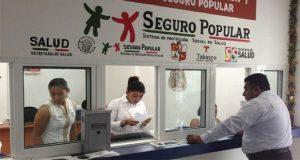 Vía WhatsApp despiden a 500 trabajadores de salud en Tabasco