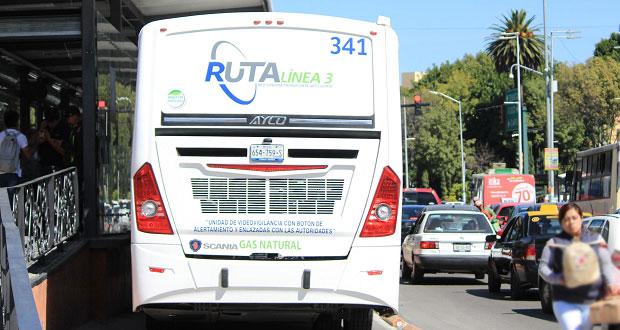 Choque de L3 de RUTA y camioneta en bulevar 5 de Mayo deja 4 heridos