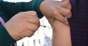 Aplicación de vacuna contra la influenza en Puebla va al 70%: IMSS
