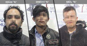 Caen dos por robo a Oxxo en Xonaca y uno por asalto en Amalucan