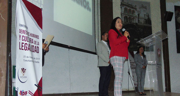 Comuna de Cuautlancingo recibe capacitación en derechos humanos