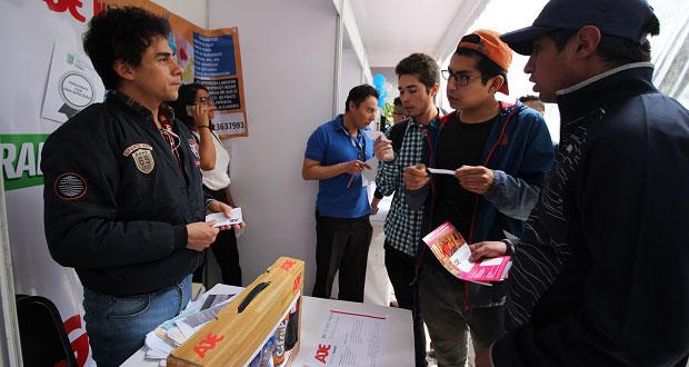 Empresas ofertan a poblanos más de 2 mil 200 vacantes en feria