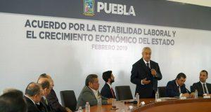 Gobierno estatal e IP firman acuerdo para estabilidad y crecimiento