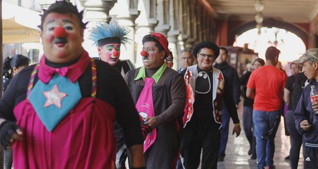 Grupo de payasos buscará regresar al zócalo de Puebla para dar show
