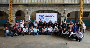 En gira por Sierra Negra, Genoveva Huerta se reúne con panistas