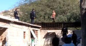 En Sonora, policías abaten a hombre que los atacó con cuchillo