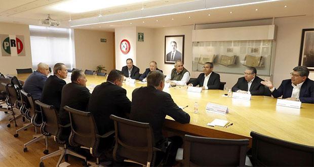 Precandidatos a gubernatura del PRI se reúnen en el CEN