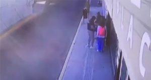 Con descarga eléctrica, universitaria ahuyenta a asaltantes por Plaza Crystal
