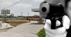 Roban efectivo y unidad de ruta S-19 en gasera de Coronango
