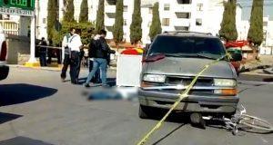 Ciclista muere atropellado por camioneta en Bosques de San Sebastián. Foto: Twitter / @JCarlos_Valerio