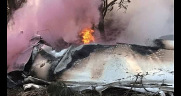 Caída de avioneta de entrenamiento mata a 2 tripulantes en Atizapán