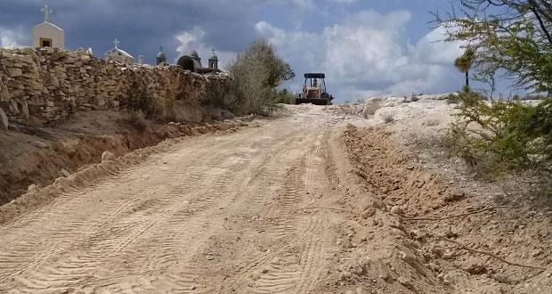 Rehabilita ayuntamiento antorchista de Atexcal caminos de acceso