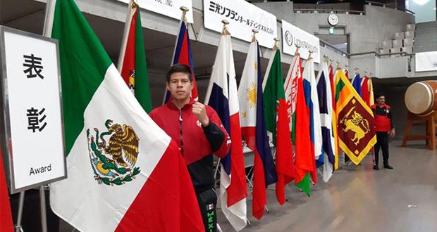 Alumno de BUAP gana 2 bronces en campeonato mundial de karate