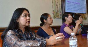 """Proponen en la BUAP """"periodismo de paz"""" contra violencia a mujeres"""