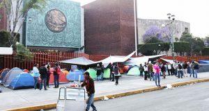 CNTE retira plantón de San Lázaro