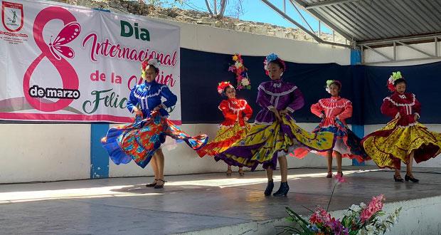 Comuna antorchista de Ixcaquixtla conmemora Día de la Mujer