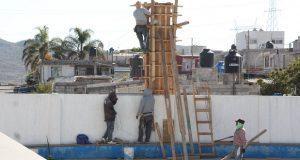 Construyen techado y remodelan el Coliseo de colonia La Chispa