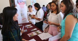 """DIF estatal brinda atención gratuita en """"Feria de la Familia"""""""