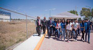 Esparza inaugura calle de acceso a preparatoria de San Martín