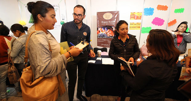 Más de 2 mil asistentes en la Feria de Empleo para Mujeres