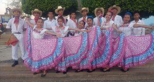 Con un carnaval, inicia Feria de San Vicente Boquerón, en Acatlán