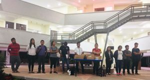 Fnerrr entrega computadoras a la Villa Estudiantil de Tecomatlán