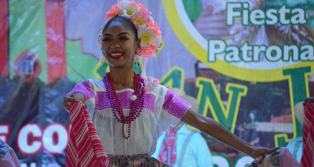 Grupos culturales de Antorcha participan en feria de Atencingo