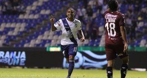 Club Puebla consigue su primera victoria en casa; derrota a Querétaro