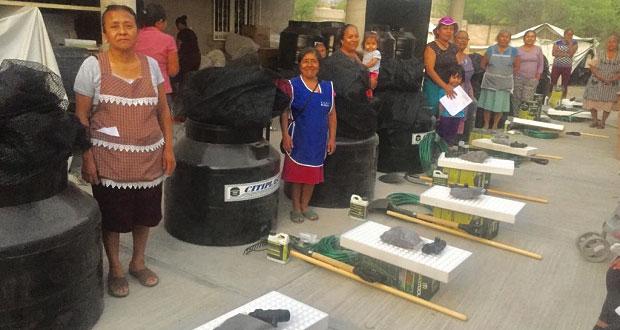Sagarpa entrega 34 huertos y herramientas para familias de Altepexi