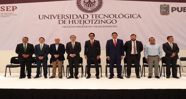 Xavier Velasco, el nuevo rector de la Universidad de Huejotzingo