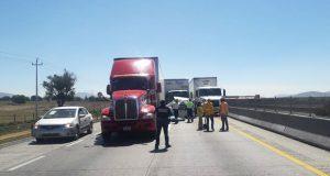 Un muerto y un herido, saldo de choque en la Puebla-Orizaba