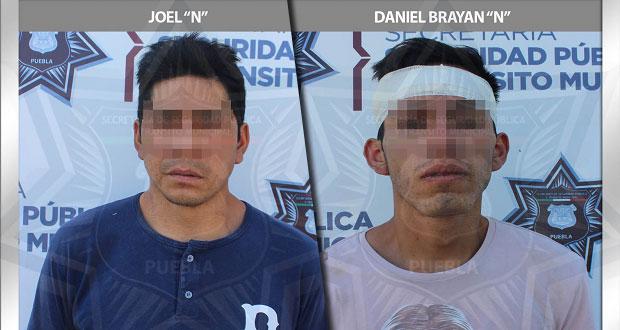 En Puebla capital, detienen a dos hombres por robo a comercio