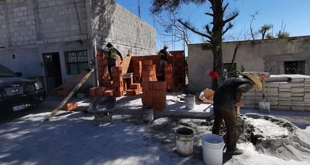 Benefician a 15 familias de Ahuatempan con programas de vivienda