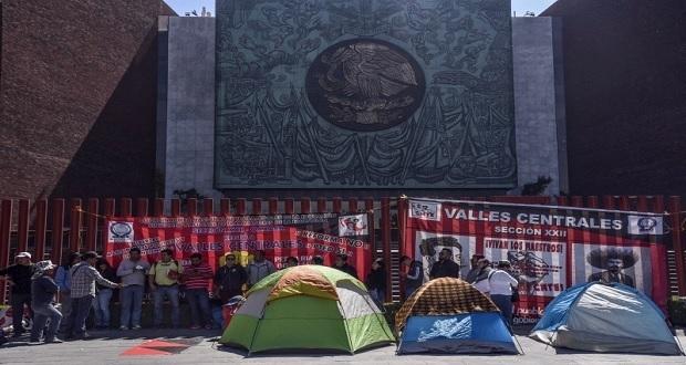 AMLO llama al dialogo a la CNTE tras manifestaciones en San Lázaro