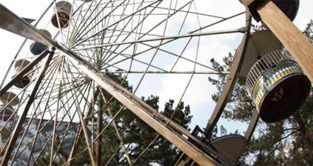 Niño cae de juego y acusan negligencia; Six Flags se deslinda