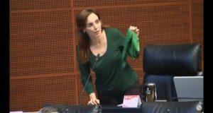 En Senado, morenista provida desata polémica por pañuelo verde