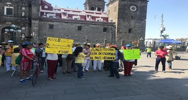 En zócalo de Puebla, piden a AMLO esclarecer muerte de Martha Erika