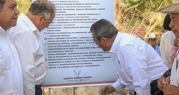 """Afirma Merino que tendrá campaña austera y sin """"derroche"""" de dinero"""