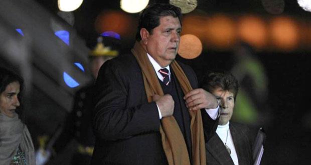 Alan García, expresidente de Perú, se suicida antes de ser arrestado