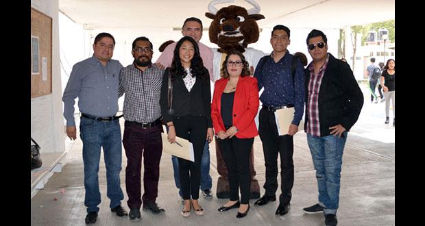 Alumnos de prepa Benito Juárez de la BUAP presentan microempresas