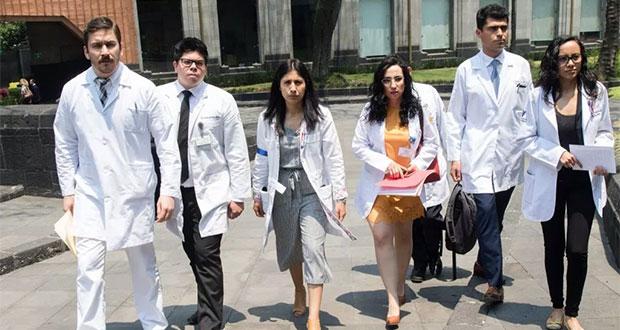 Médicos residentes levantan paro; reportan avance de pagos al 95%