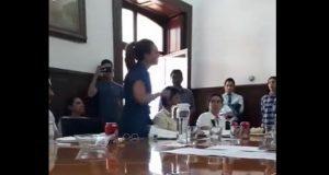 Montemayor acusa a regidora de defender a Agua de Puebla