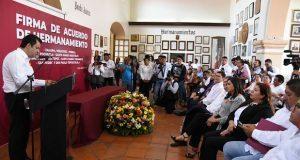 Ayuntamientos de Puebla, Oaxaca y Xalapa firman hermanamiento
