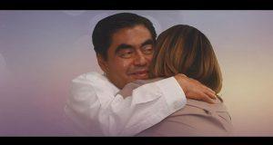 Barbosa llama a reconciliación con imagen abrazando a una mujer
